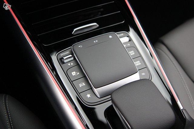 Mercedes-Benz EQA 14