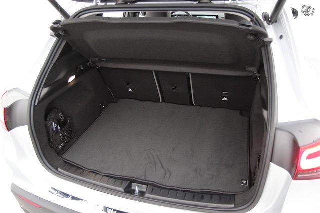 Mercedes-Benz EQA 22