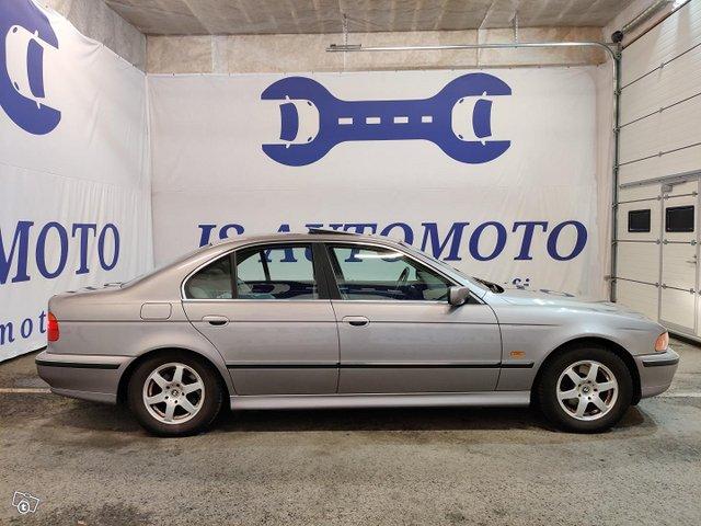 BMW 523 2