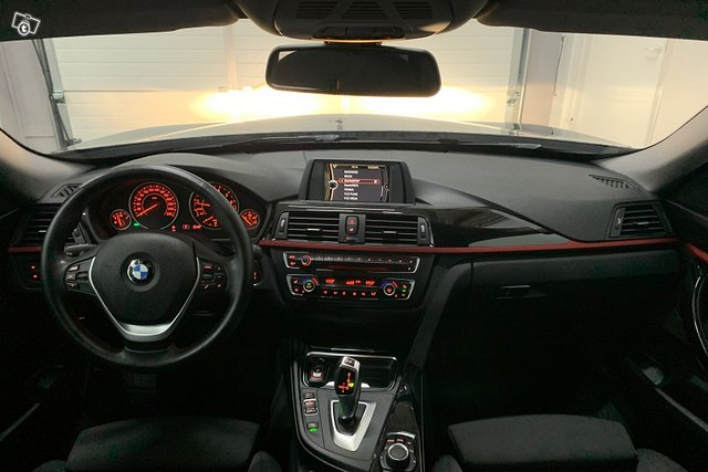 BMW 3-SARJA 19