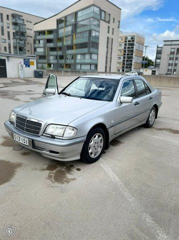 Mercedes-Benz C-sarja 3