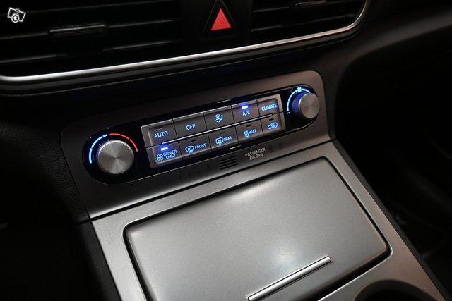 Hyundai KONA 23