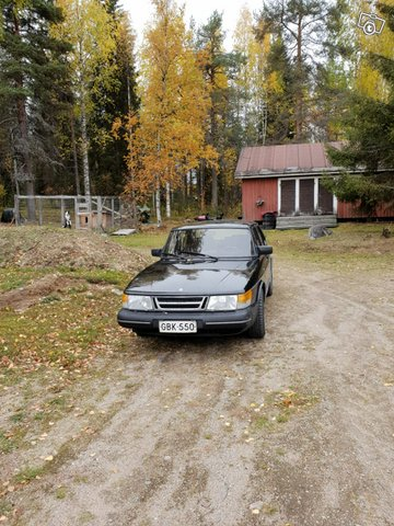 Saab 900, kuva 1