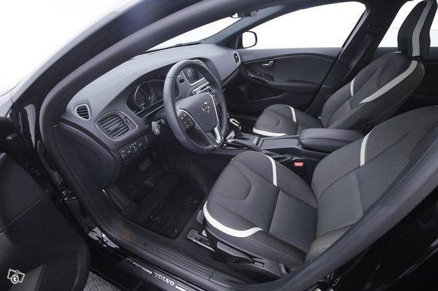Volvo V40 8