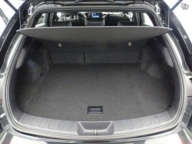 Lexus UX 24