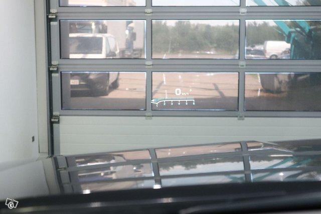 Cadillac Escalade 18