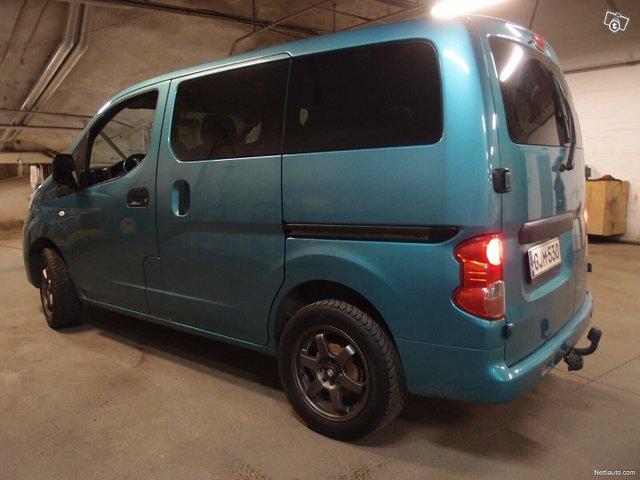 Nissan NV200 24