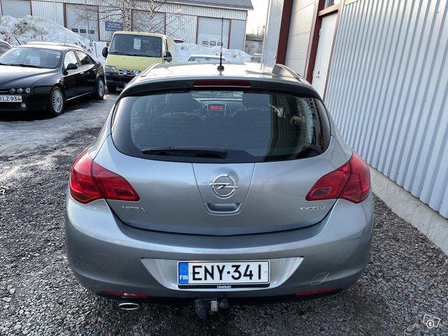 Opel Astra 8