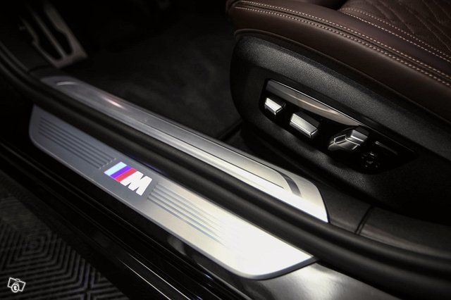BMW 745 18