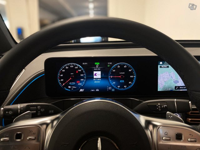 Mercedes-Benz EQC 13