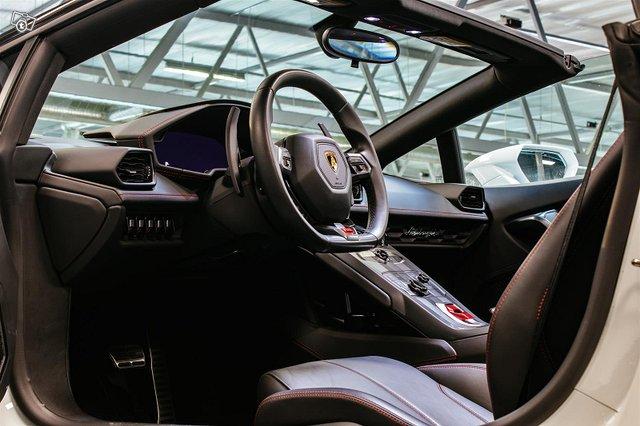 Lamborghini Huracán 11