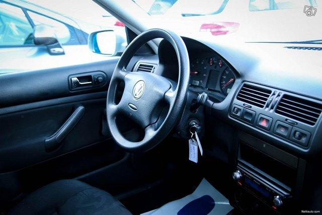 Volkswagen Bora 25