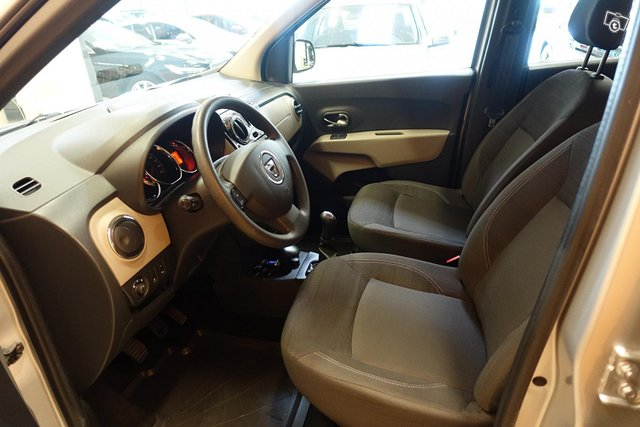 Dacia Lodgy 10