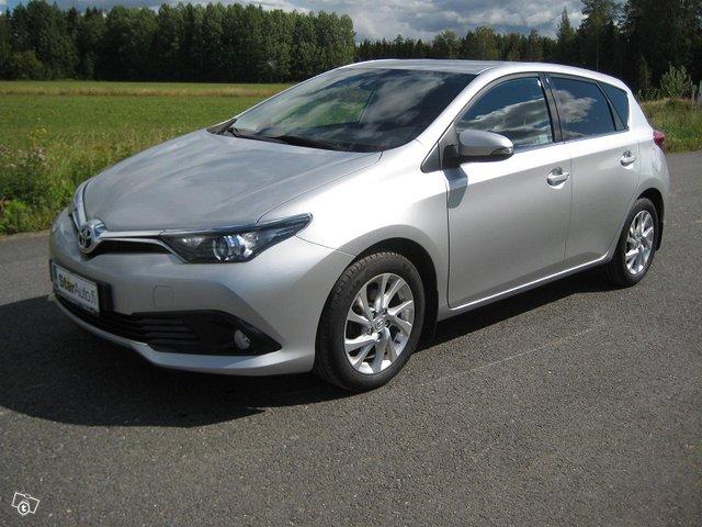 Toyota Auris Active