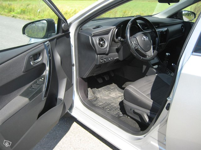 Toyota Auris Active 7