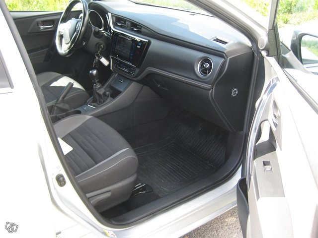 Toyota Auris Active 10