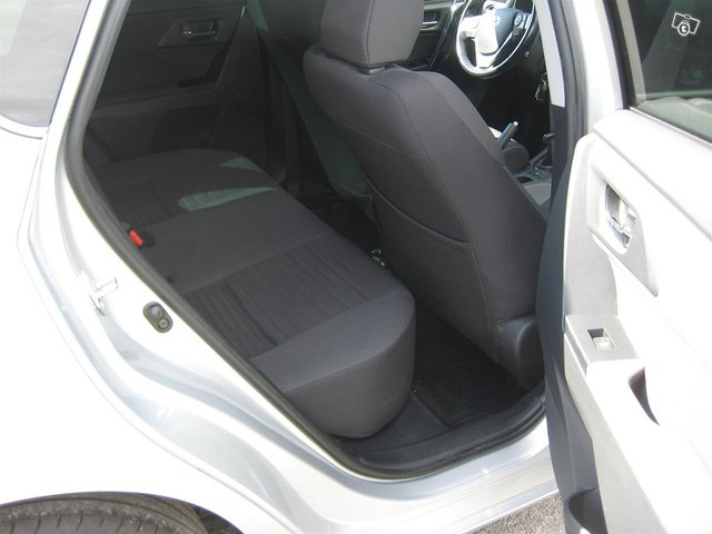 Toyota Auris Active 11