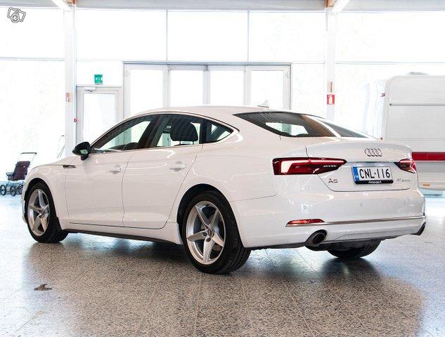 Audi A5 4