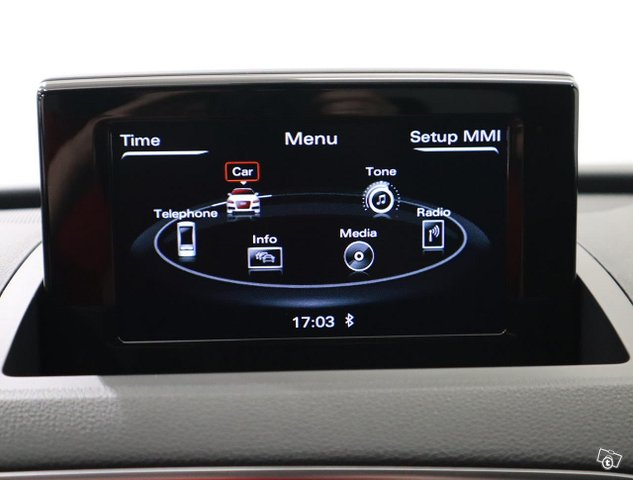 Audi Q3 11
