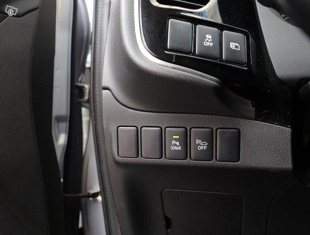 Mitsubishi Outlander PHEV 17