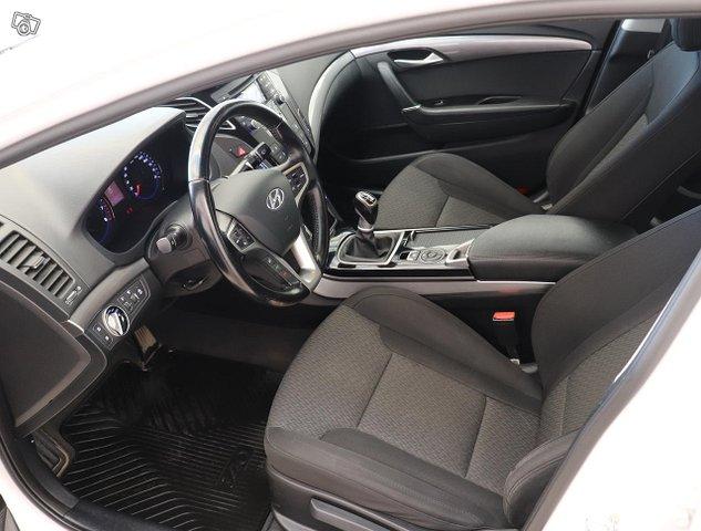 Hyundai I40 Sedan 8