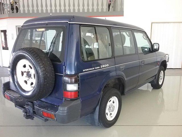 Mitsubishi Pajero 4