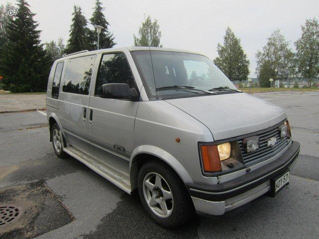 Chevrolet Astro 6