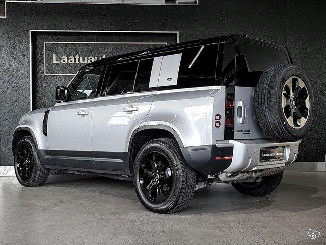 Land Rover Defender 4