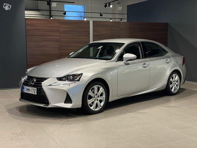 Lexus IS 1