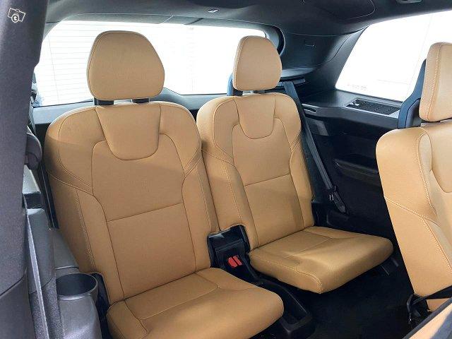 Volvo XC90 6