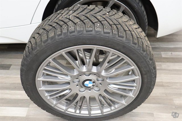 BMW M135i 22
