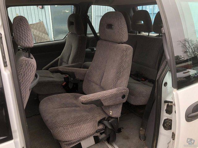 Chrysler Voyager 9