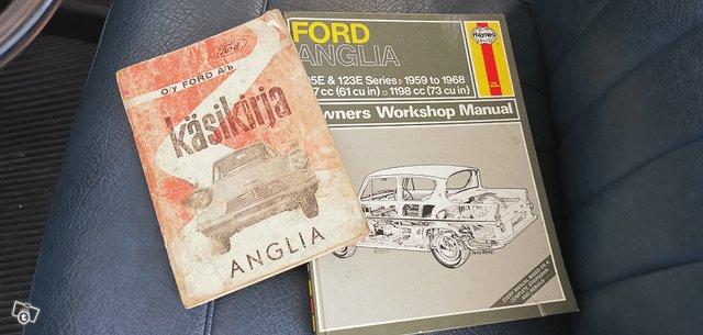 Ford Anglia 14