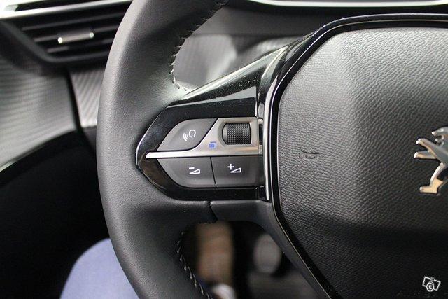 Peugeot 208 19