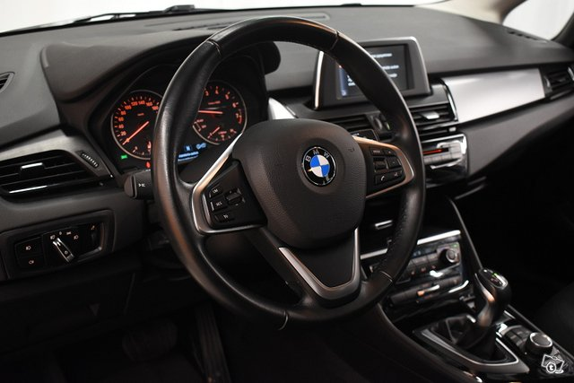 BMW 220 15