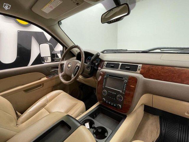Chevrolet Silverado 13