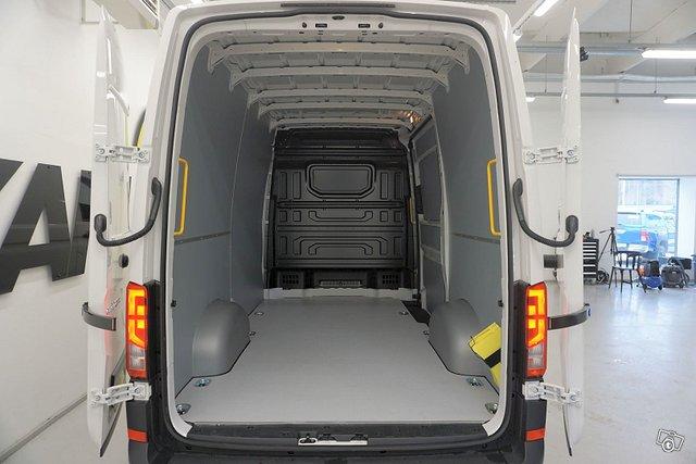 Volkswagen Crafter 10