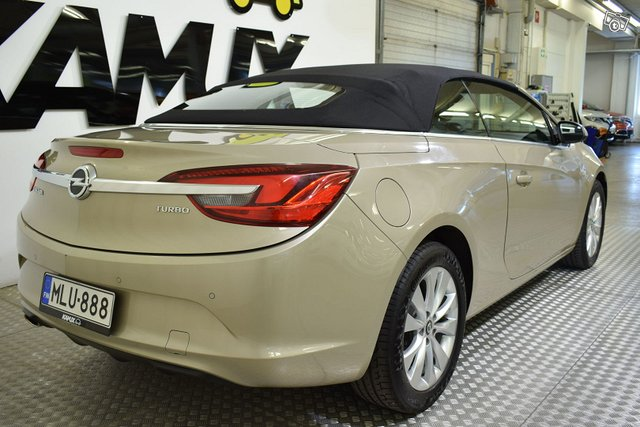 Opel Cascada 4