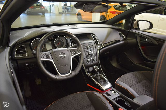 Opel Cascada 11