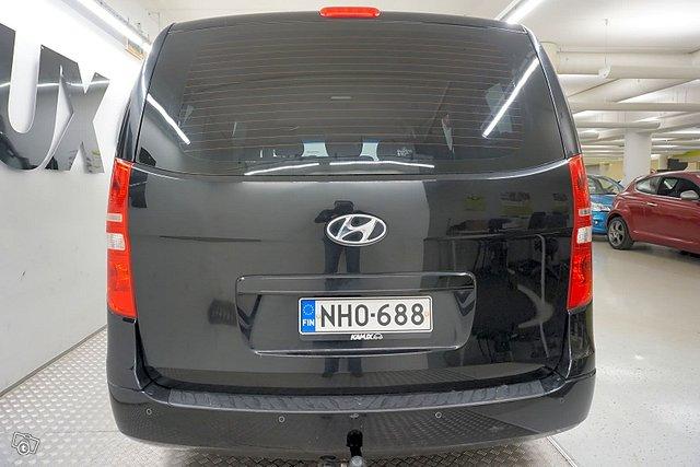 Hyundai H-1 5