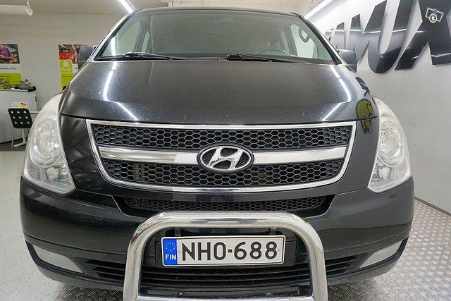 Hyundai H-1 8