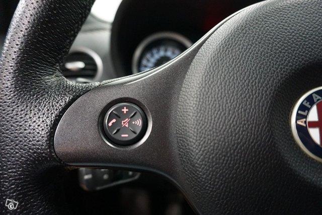 Alfa Romeo 159 21