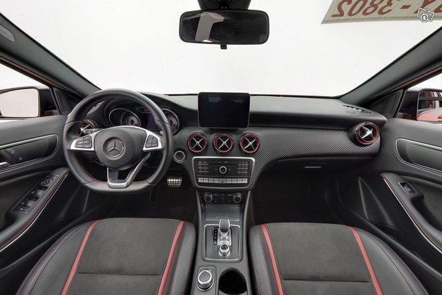 Mercedes-Benz A 45 AMG 10