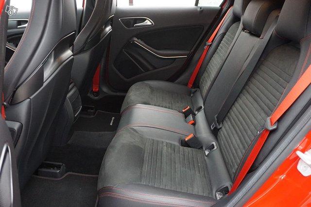 Mercedes-Benz A 45 AMG 14