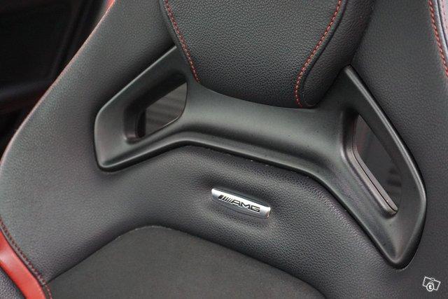 Mercedes-Benz A 45 AMG 16