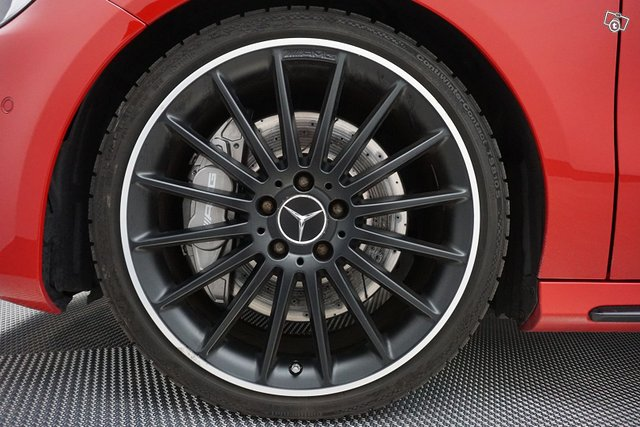 Mercedes-Benz A 45 AMG 18