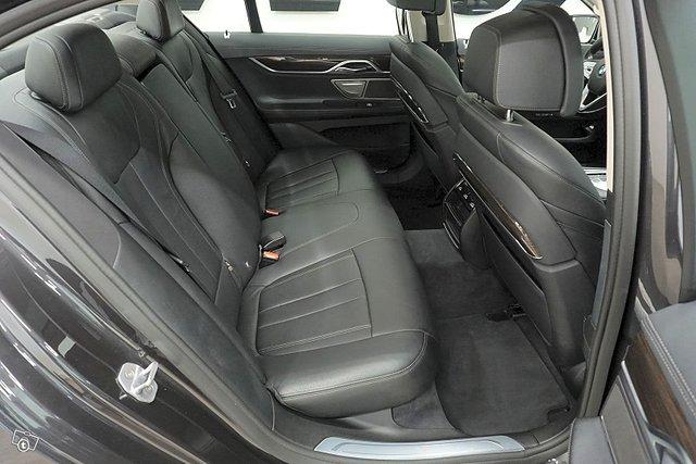 BMW 730 14