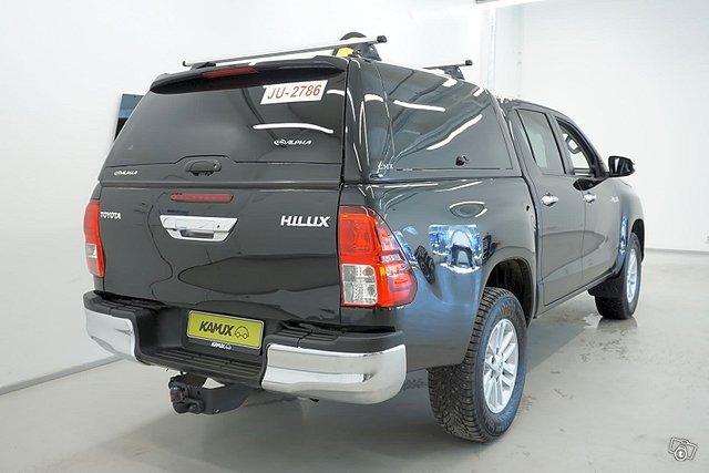 Toyota Hilux 4