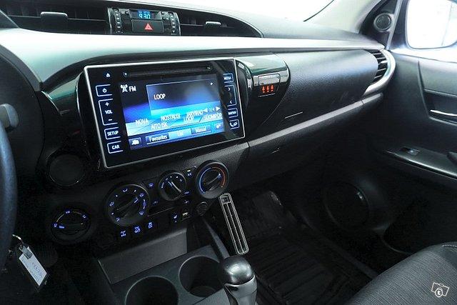 Toyota Hilux 17