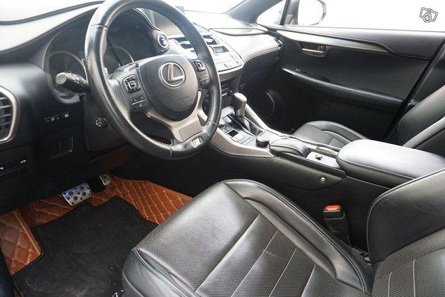 Lexus NX 16